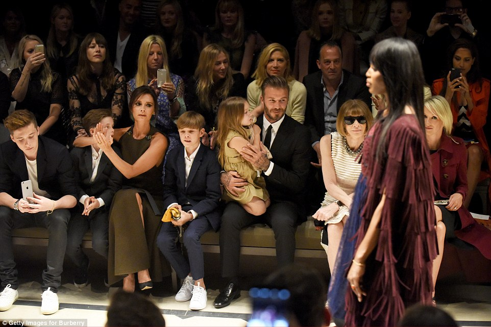 27A8C01200000578-3043144-Fashion_loving_family_All_six_of_them_seemed_to_enjoy_the_show_w-a-169_1429263421194