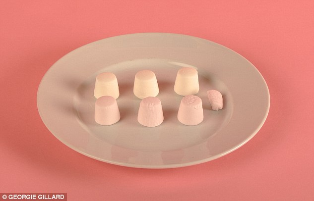 27EA319500000578-3059330-A_stingy_six_and_a_quarter_marshmallows_contains_100_calories-m-116_1430239809006