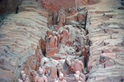 ახალი გათხრები ჩინეთში: სახელგანთქმული ტერაკოტის არმია 1400 მეომრით შეივსო