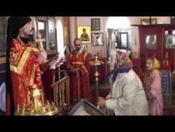 რუსი მღვდელი ამბიონიდან კინოფილმიდან სიმღერას მღერის