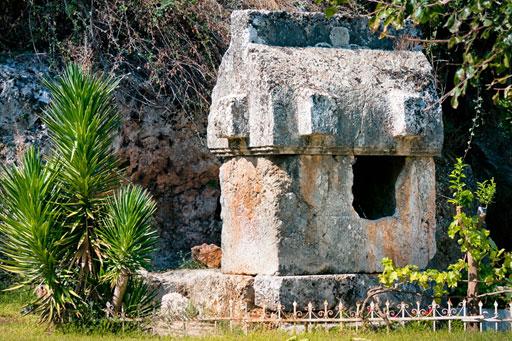 lycian-sarcophagus-tomb