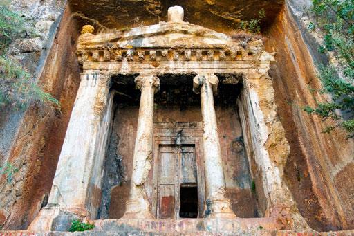 lycian-tomb-amyntas