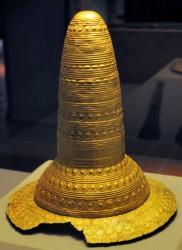 ბრინჯაოს ხანის 4 ოქროს ქუდის საიდუმლო